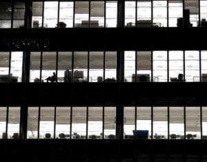 Cosas de grandes: bullying y entorno laboral